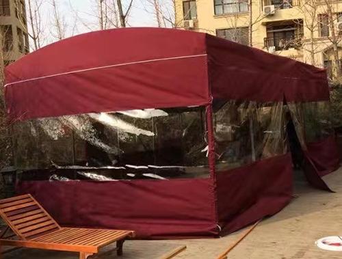 大型遮雨篷